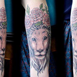 Lion & Rose